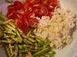orzo, granchio e verdure crude