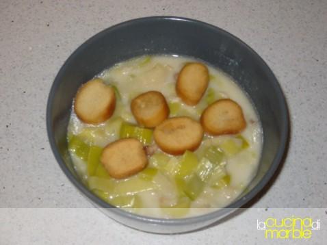 knoblauchsuppe - minestra all'aglio